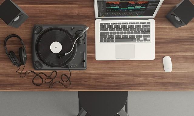 Как проверить музыку на авторские права на ютубе