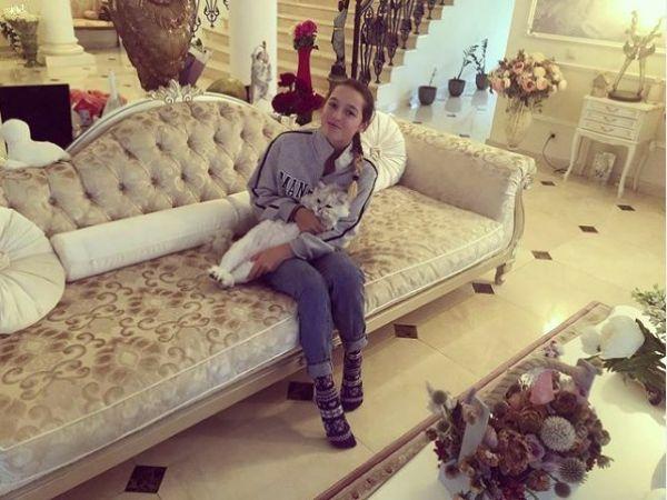 Заглянем в Инстаграм Анастасии Волочковой. Почему даже кот не спит с балериной?