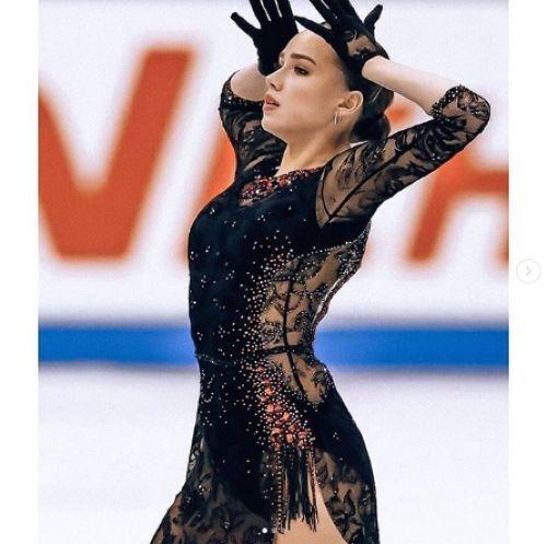 Алина Загитова 12