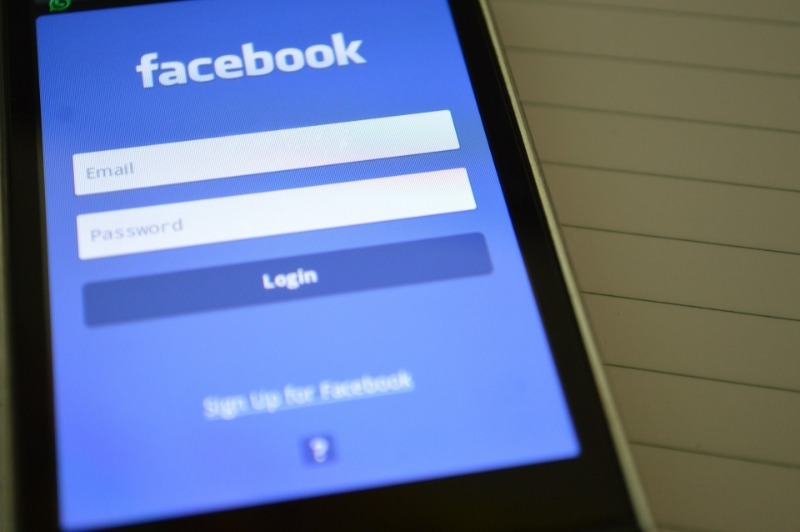 Когда соцсеть вместо шпиона: как и зачем Фейсбук использует наши данные
