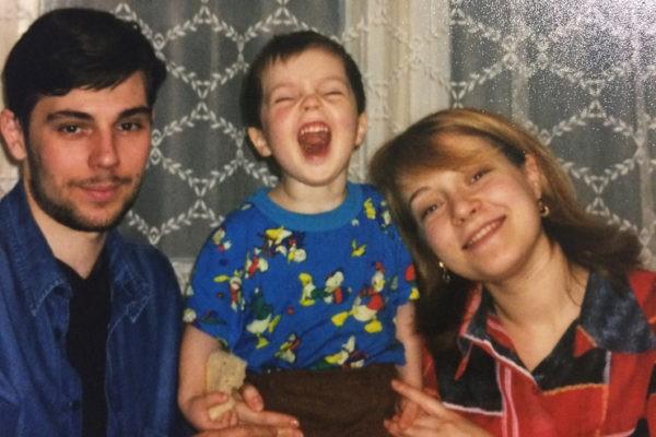 3 года назад погиб Егор Клинаев. Как теперь живут его родители и бывшая девушка