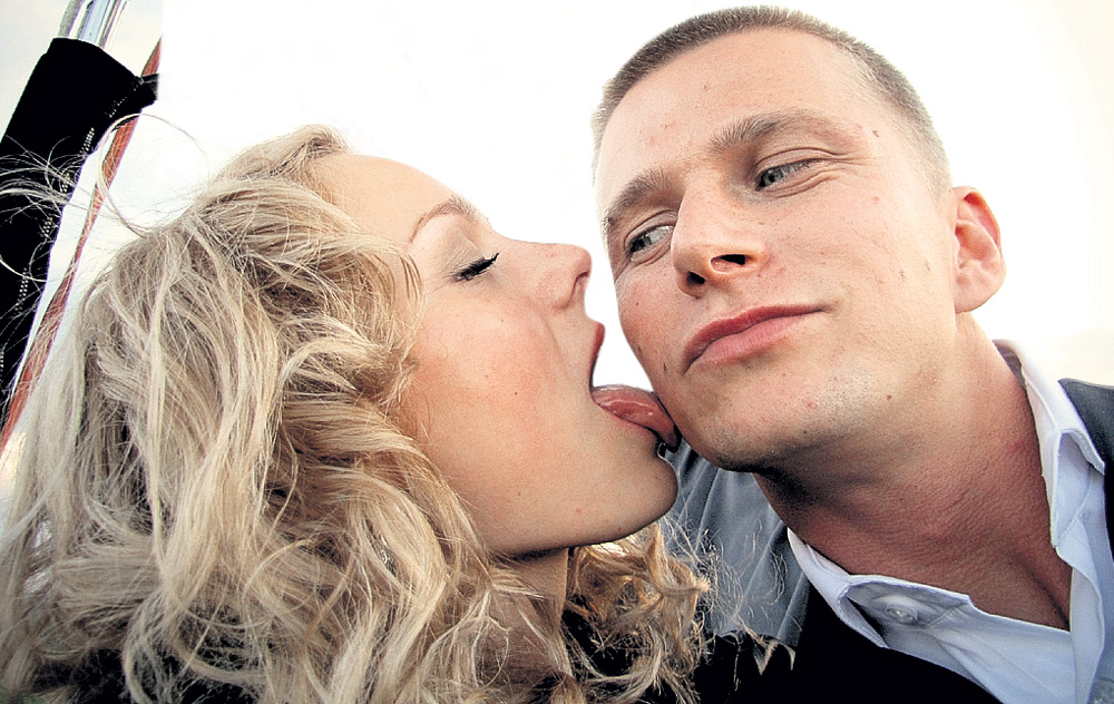 роман курцын с женой