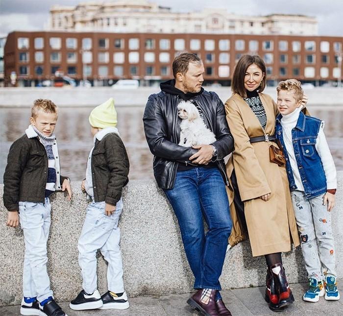 Муж Елены Блиновской с семьей