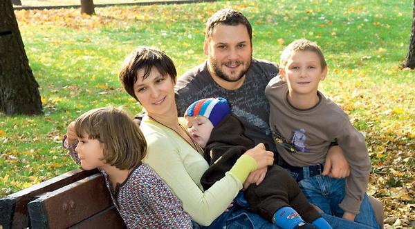 олеся железняк с мужем и детьми
