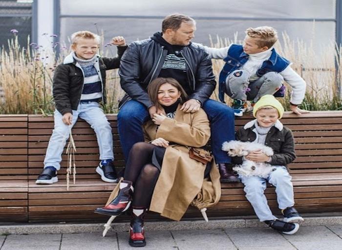 Муж Елены Блиновской и вся их семья