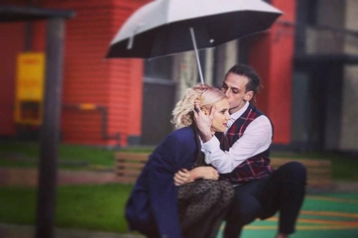 Алексей Брижа и жена на фотосессии