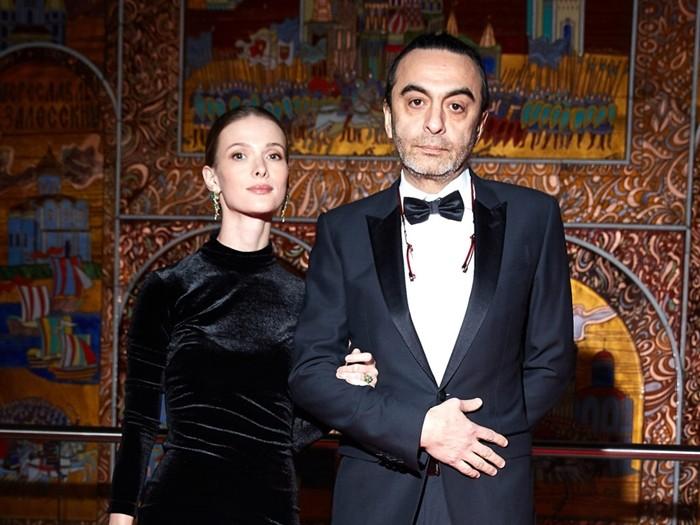 Джаник Файзиев фото с супругой