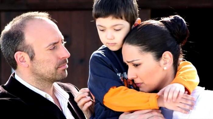 халит эргенч и его женахалит эргенч и его жена с ребёнком